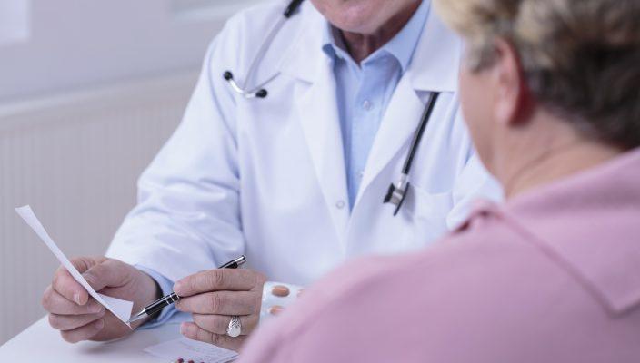 Der persönliche Kontakt zwischen Arzt und Patient bleibt unverzichtbar. Doch Telemedizin kann eine wertvolle Ergänzung sein. Foto: i-stock