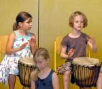 Dieses Foto aus dem Vorjahr zeigt, wie konzentriert die Kinder dabei sind.