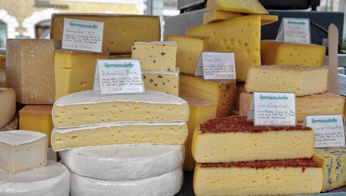 Frisches von Händlern aus der Region auf dem Bad Aiblinger Wochenmarkt.