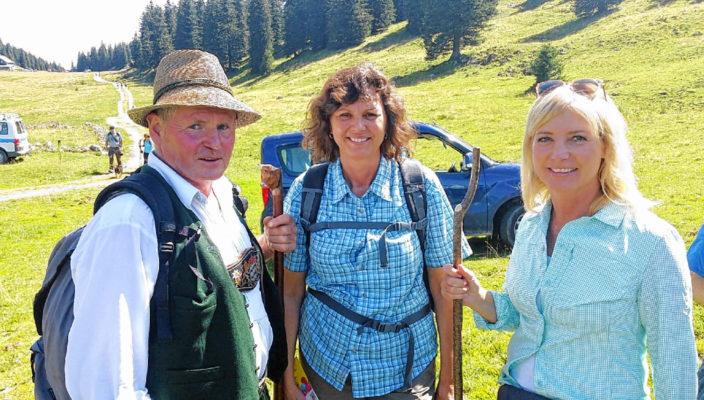 Von links: Georg Mair, Vorsitzender des AVO, Wirtschaftsministerin Ilse Aigner, Umweltministerin Ulrike Scharf. Foto: hö