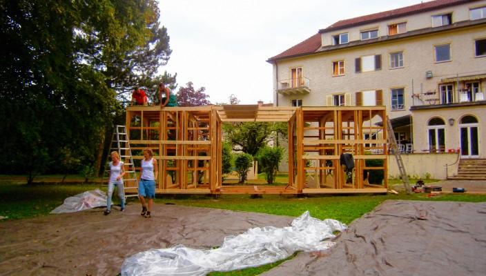 Das Bauprojekt nahm schnell Form an.