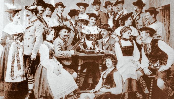 Ein Bild aus dem Jahre 1907: Das Rosenheimer Volkstheater.