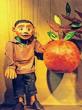 Das Apfelmännchen begeistert die kleinen Kinder.