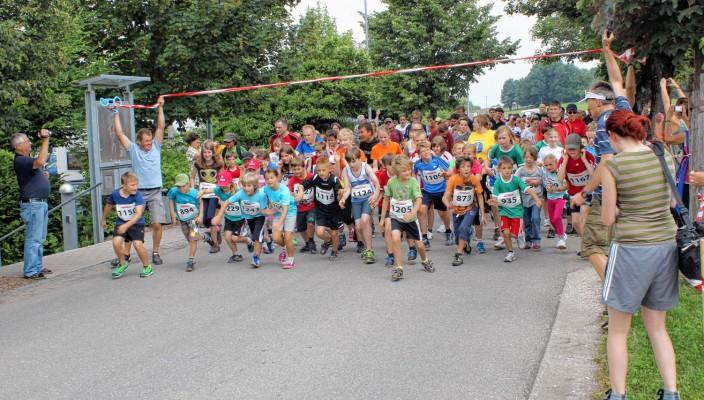Start frei für den Attler Lauf! Foto: re
