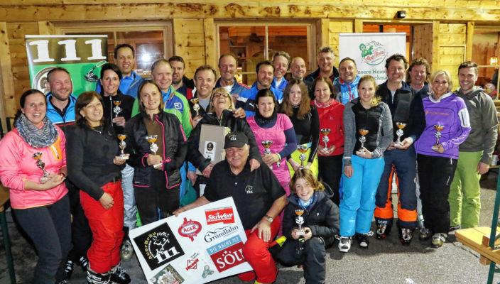 Die glücklichen Klassensieger beim Auerbräu V.I.P Skicup 2018.