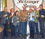 Brauereifamilie Steegmüller mit Braumeister Franz Amberger (Vierter von links) und Dr. Werner Gloßner (rechts).