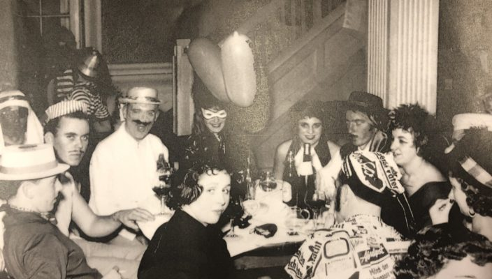 So schön war die Zeit in der 50er-Jahren im Hofbräu! Am 23. Februar feiert der Fasching im Ballhaus Wiederauferstehung.