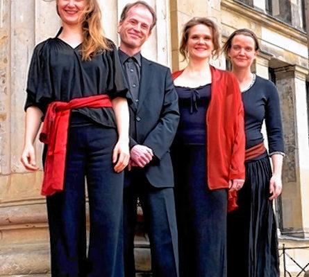 """Das """"Ensemble Horolog"""" unter Leitung von Veronika Burger aus Berlin (Zweite von rechts) konnte für den Abend am 26. Mai für ein Konzert in Westerndorf am Wasen gewonnen werden. Foto: re"""