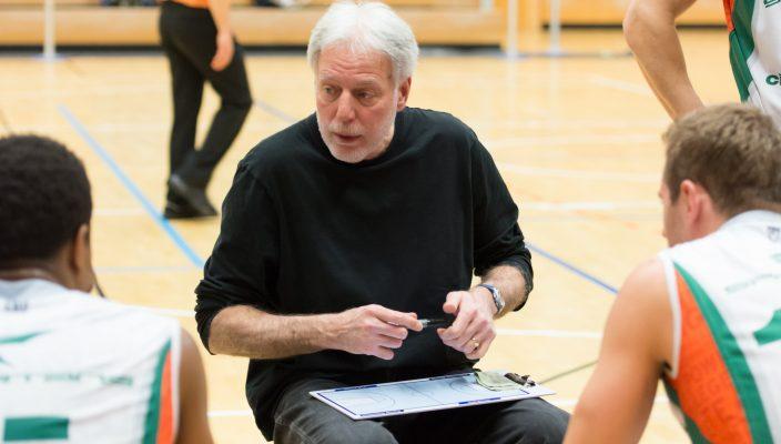 Coach Bob Miller startet mit den SBR-Basketballern in die Vorbereitung.