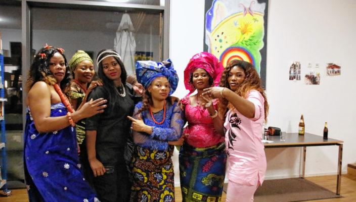 Mit afrikanischen Klängen und Rhythmen begeisterte der Nigerianische Gospelchor das Publikum. Foto: re