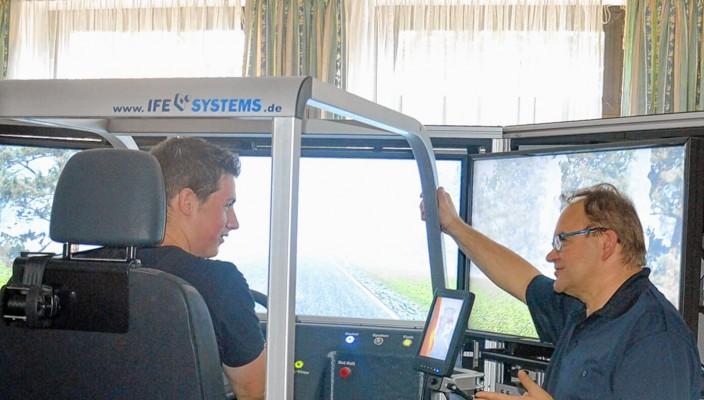Praktische Übungen machen fit für den Ernstfall und können Leben retten! Foto: Freiwillige Feuerwehr Rosenheim