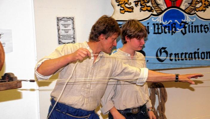 Wer weiß, wie man Seile herstellt? Bei der Seilerei Peter Weiß kann man es beobachten.