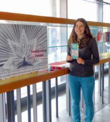 Regina Moser freut sich auf viele Bücherfreunde.