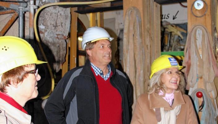 Investorin Dorothea Meltl und Projektleiter Curt Wiebel bei der Baustellenbesichtigung.