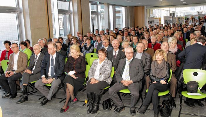 Zahlreiche Ehrengäste nahmen am Jahresempfang der Caritas teil. Foto: Reisner