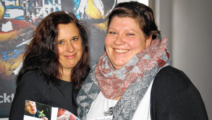 Sozialarbeiterin Martina Watzlaw, rechts, und Fachdienstleiterin Pia Tscherch. Foto: re