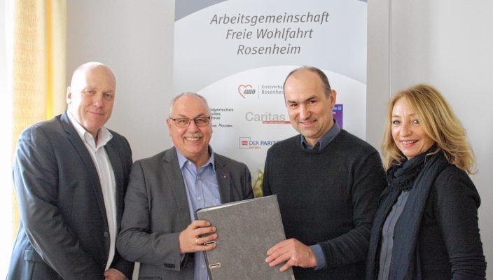Gemeinsam für die Menschen (von links): Klaus Voss (Diakonisches Werk), Erwin Lehmann (Caritas), Anton Reiserer (Arbeiterwohlfahrt) und Marianne Guggenbichler (DPWV).