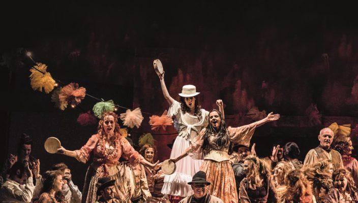 """""""Carmen"""" - Der Inbegriff von musikalischer Leidenschaft und fesselnder Dramatik! Foto: Freies Landestheater Bayern"""