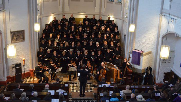 """Am 11. März führte der Chor an der Erlöserkirche mit fast 70 Chormitgliedern mit großem Erfolg die """"Markuspassion"""" von Reinhard Keiser auf."""