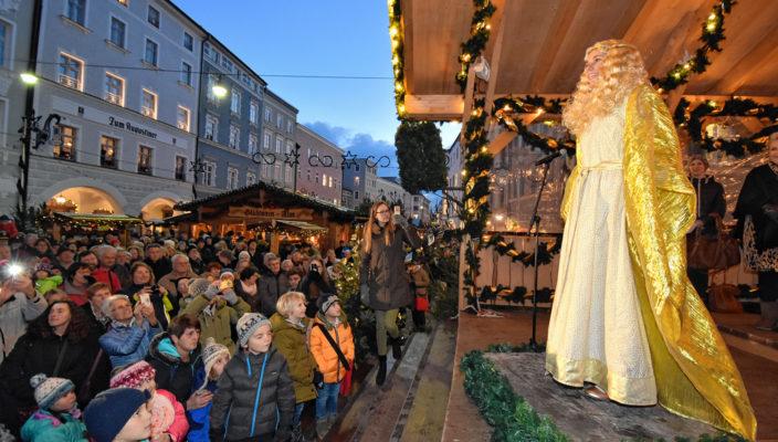 Das Christkind war bei der Eröffnung auch dabei. Foto: Schlecker