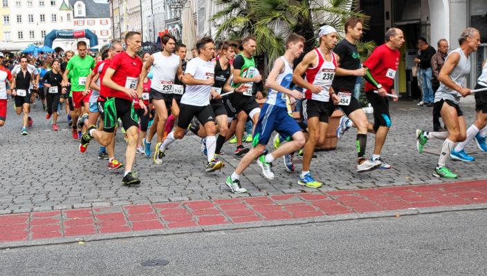 Hunderte Läufer werden wieder beim 30. Rosenheimer Citylauf an den Start gehen. Foto: Albert Goike