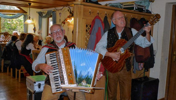 """Von links: Siegi Zimprich und Uli Stocker sind die """"Zamgwiafedn""""."""