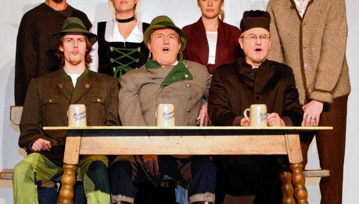 """Theatervergnügen voller Emotionen bei der """"Gämsendämmerung"""" in der Drehleier."""