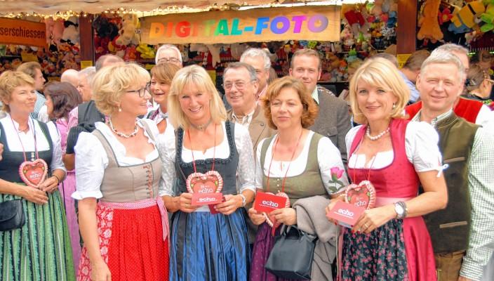 Das Glück lag auf der Seite der Damen. Irmgard Bauer (von links) gratulierte Ingrid Rienäcker, Barbara Nickl und Andrea Treibenreif zu den echo-Gutscheinen.
