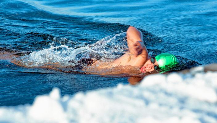 Schwimmen im kalten Wasser ist der Trend. Foto: ovb