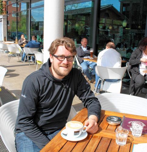 Emanuel Clemm trinkt seinen Kaffee am liebsten pur, vormittags darf es aber schon mal ein Milchkaffee sein.