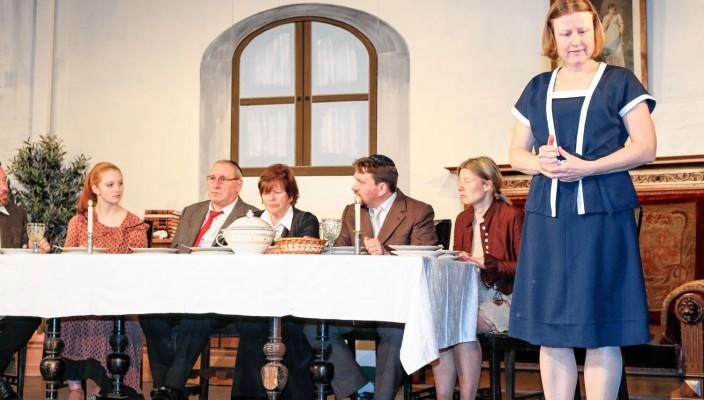Eine beeindruckende Lebensgeschichte erzählt das Stück über Edith Stein.