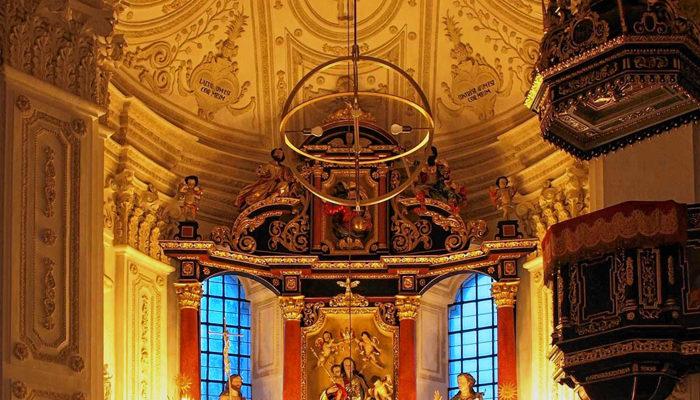 Zu Weihnachten erstrahlte der Altar des Bad Aiblingers Andreas Leisberger besonders prachtvoll.