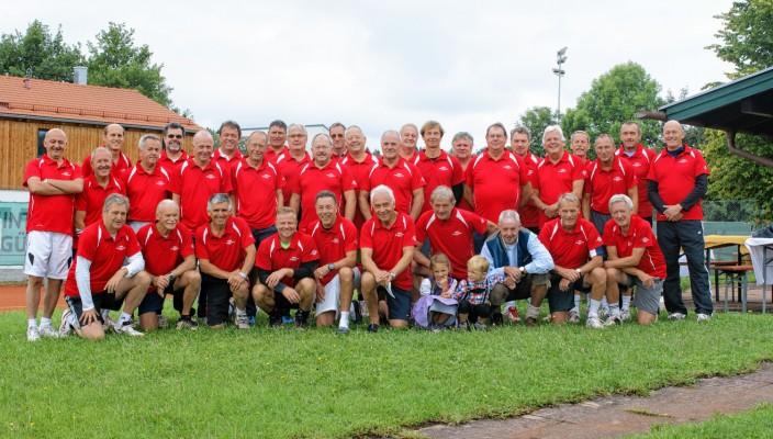 Die 32 geladenen Teilnehmer lieferten sich spannende Matches und hatten trotz der gezeigten sportlichen Höchstleistungen dabei nebenher noch jede Menge Spaß auf dem Platz.