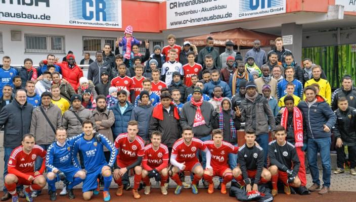Der TSV 1860 Rosenheim lud die Flüchtlinge aus der Luitpoldhalle zum Heimspiel ein.