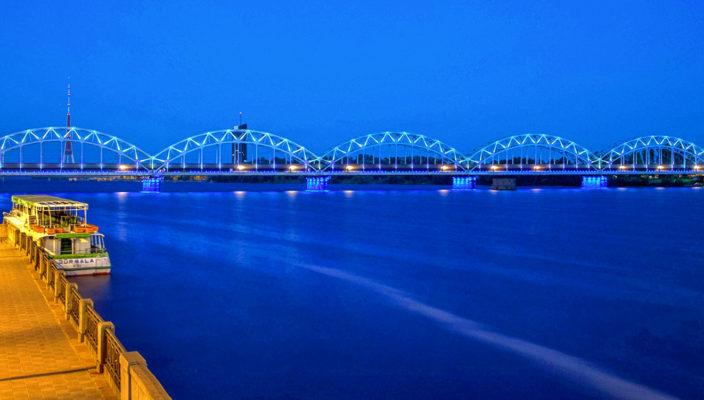 Brücke über die Düna in Riga, aufgenommen von Justine Betzl. Foto: re