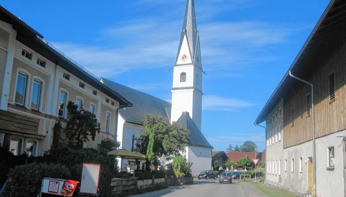 Frasdorf, eine lebendige Gemeinde im Chiemgau. Foto: hö