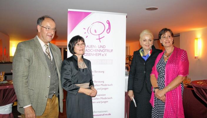 Landrat Wolfgang Berthaler, Manuela Denneborg, Oberbürgermeisterin Gabriele Bauer und Christiane Cremer feierten gemeinsam mit vielen Wegbegleitern und Freunden des Vereins das Jubiläum.