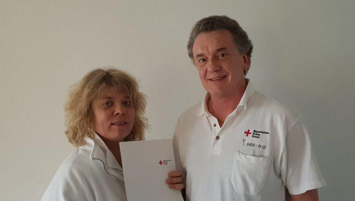 Ausgezeichnet für ihren Dienst: Gaby und Horst Henke.