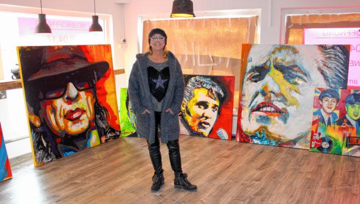 Britta Strohmetz im noch nicht ganz fertiggestellten Ausstellungsraum.