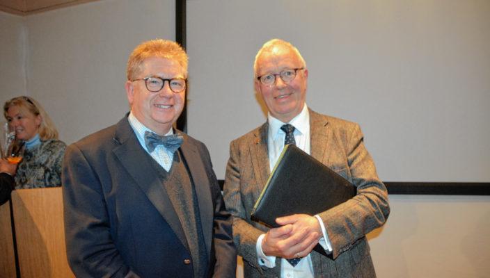 Referent Thomas Bugl (links) und Anton Heindl, Vorsitzender des Gewerbeverbands Rosenheim.