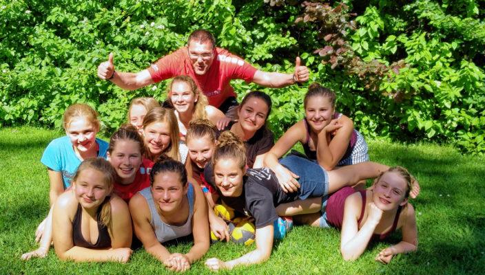 Die Mädels um das Trainerteam Heidi und Thomas Leube erreichen die höchste Jugendspielklasse Bayerns.