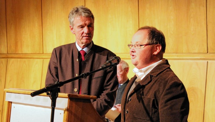 Klaus Heibler (rechts) mit Bürgermeister Felix Schwaller aus Bad Aibling Foto: .Goike