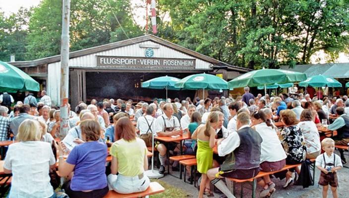 Seit über 50 Jahren ist das Fliegerfest eine gerne besuchte Veranstaltung.