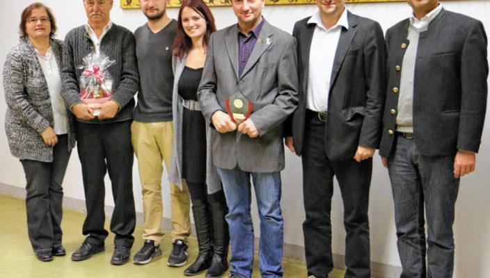 Die Freie Turnerschaft wird in den nächsten drei Jahren von Anita Erlich, Leo Roider, Florian Bergmann, Alexandra Bergmann, Rudi Bergmann, Armin Just und Martin Metzger geführt (von links nach rechts).