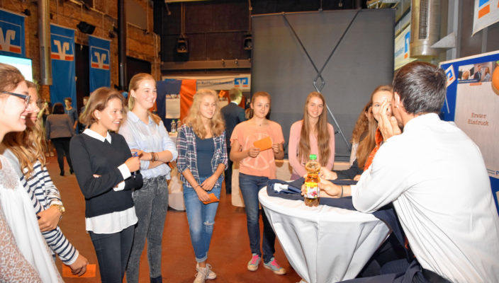 Die Schüler zeigten reges Interesse. Foto: Schlecker