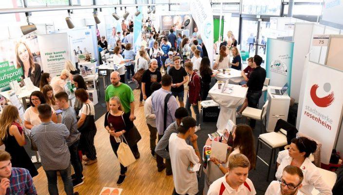 Über 1800 Besucher zählte die IHKJobfit! 2018, die ab sofort jährlich stattfindet. Foto: Tobias Hase / IHK