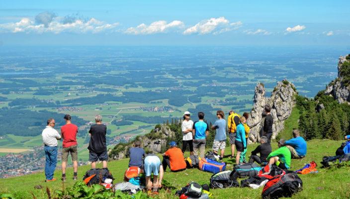 Herrliche Wetter- und Sichtverhältnisse für die Teilnehmer auf der Kampenwand. Foto: re