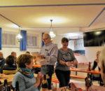 Franz Haindl und Sylvia Beyer beim Verteilen der Preise.