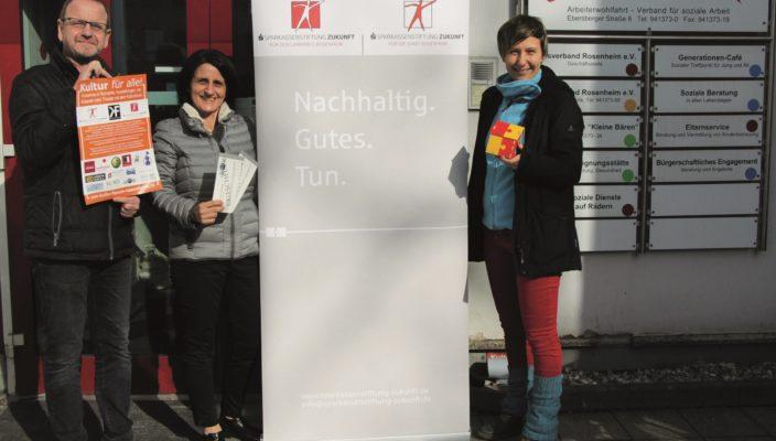 Reinhart Knirsch, Kulturforum, Andrea Janshen von den Sparkassenstiftungen Zukunft und Katharina Gaiduk, Mitarbeiterin des Mehrgenerationenhaus (von links).