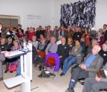 """Christian Poitsch, Vorsitzender des Kulturforums, bei seiner Rede zum Thema """"Kunst für alle?"""" Foto: Margrit Jacobi"""